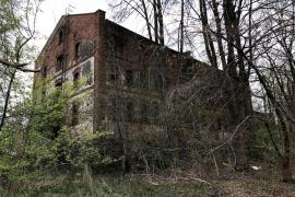 Opuszczony kompleks budynków Kołbiel
