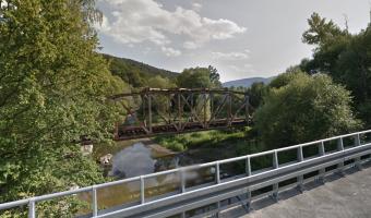 Most kolejowy w Tymbarku,