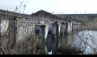 Zalana fabryka frefabrykatów betonowych, Bytom,