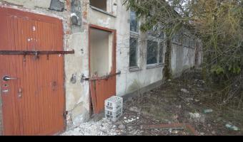 Stara hale koło cmentarza batowickiego,