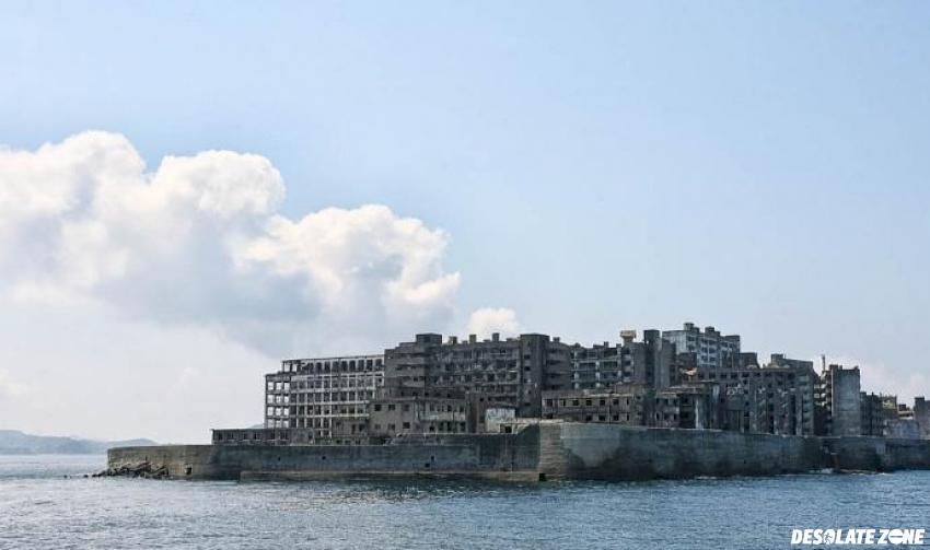 Opuszczona wyspa gunkanjima ( hashima), japonia