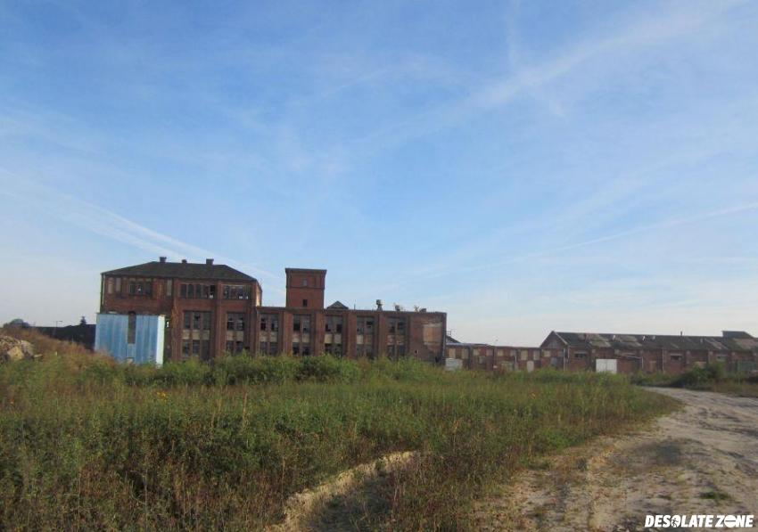Opuszczone zakłady przetwórstwa ziemniaczanego w luboniu, luboń