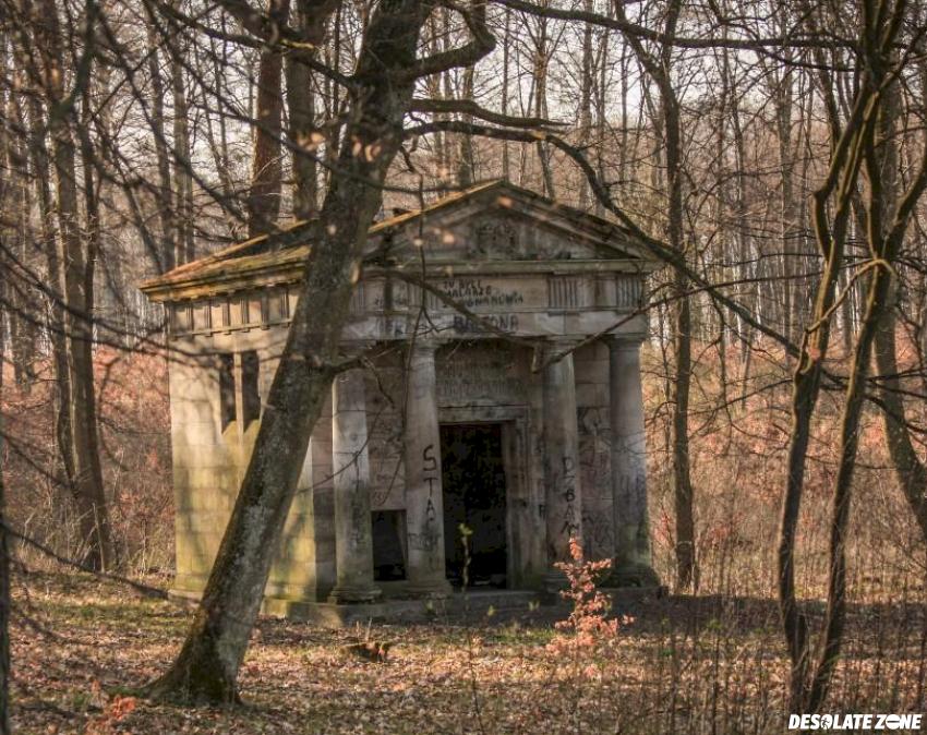 Grobowiec rodziny rosenbergów , klecewo k/ kwidzyna