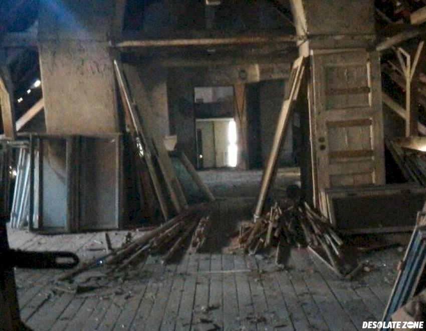 Opuszczone budynki szpitala psychiatrycznego srebrniki, gdańsk