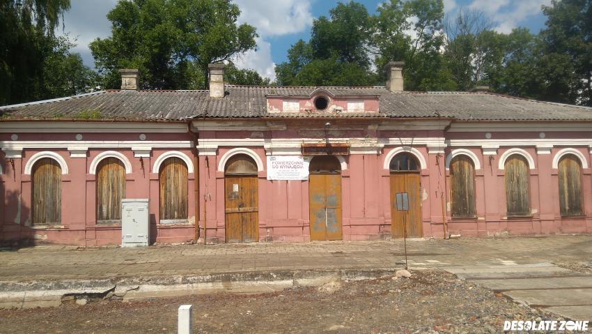 Dworzec kolejowy mordy