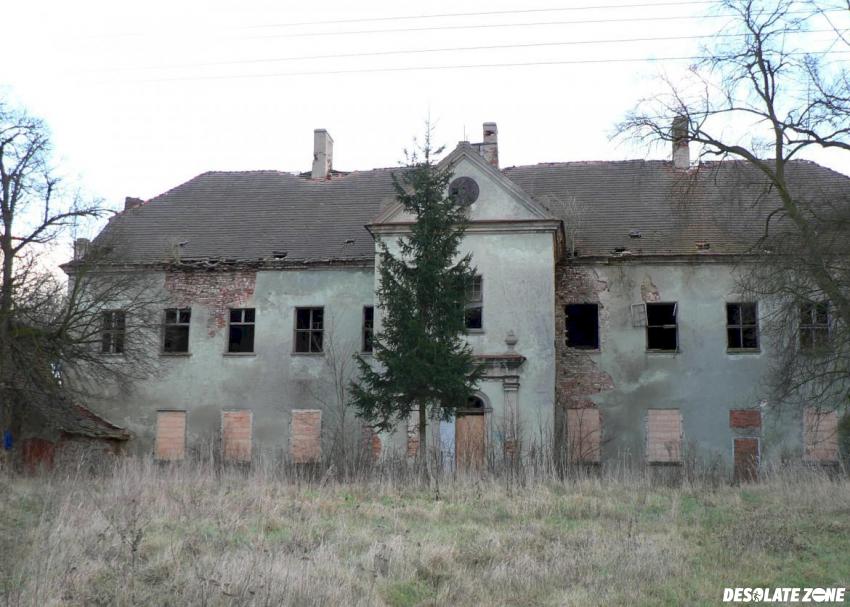 Zespół pałacowy, brzeg głogowski