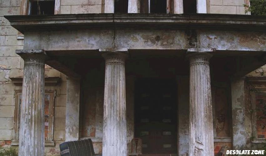 Pałac w tomaszowie bolesławieckim, tomaszów bolesławiecki